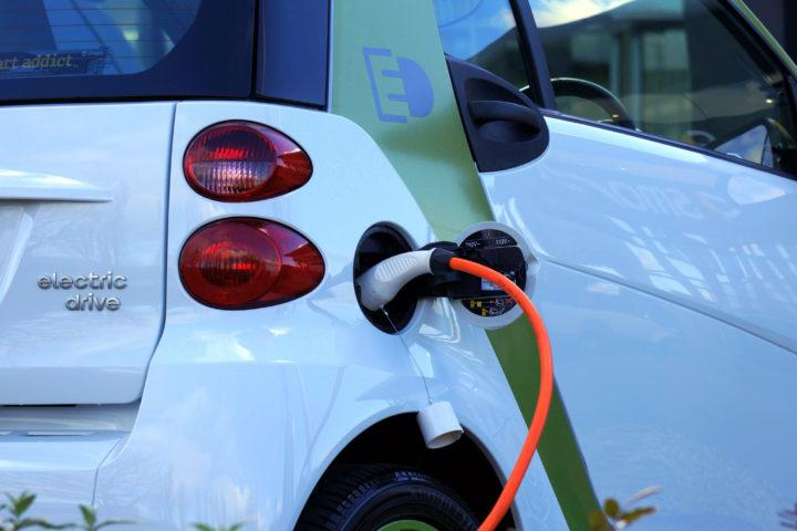 electric-car-1458836